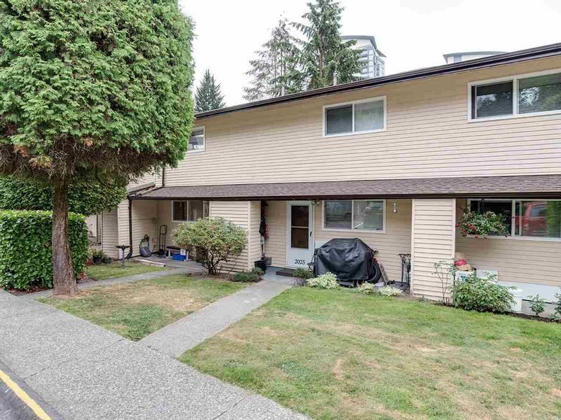 FEATURED LISTING: 2023 HOLDOM Avenue Burnaby