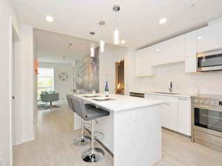 "Photo 10: 505 733 W 3RD Street in North Vancouver: Hamilton Condo for sale in ""THE SHORE"" : MLS®# R2120677"