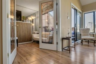 """Photo 7: 1012 IRONWORK Passage in Vancouver: False Creek Townhouse for sale in """"MARINE MEWS"""" (Vancouver West)  : MLS®# R2207669"""