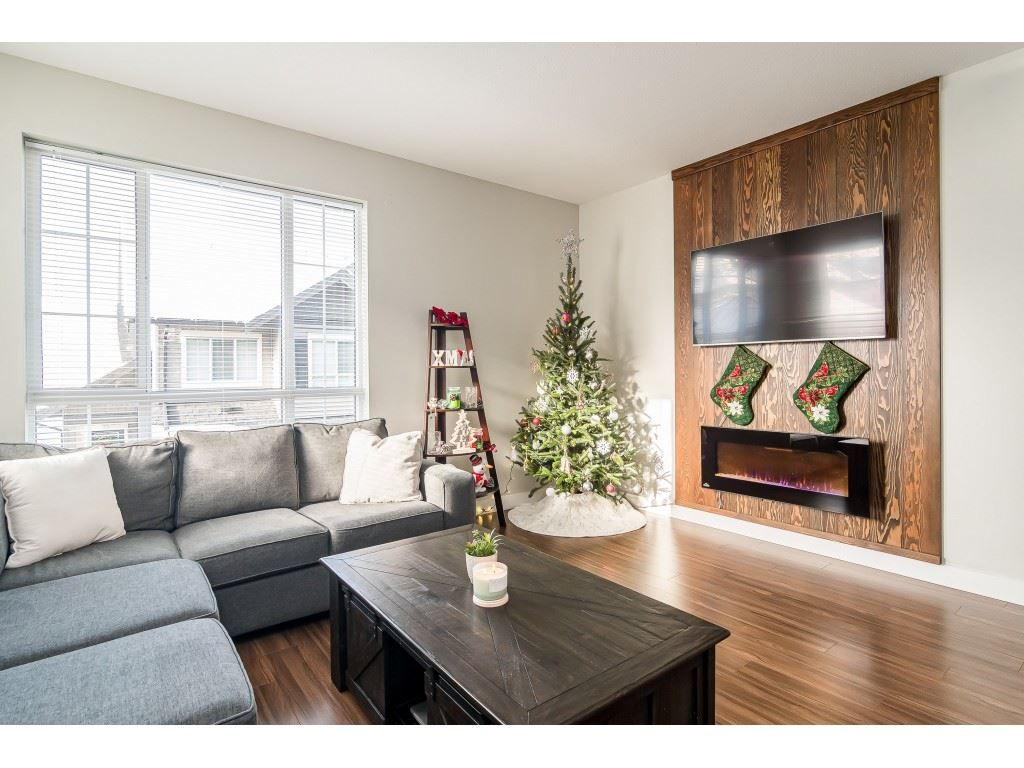 "Photo 6: Photos: #54 4967 220 Street in Langley: Murrayville Townhouse for sale in ""Winchester Estates"" : MLS®# R2527374"