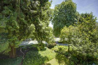 Photo 18: 105 1730 DUCHESS Avenue in West Vancouver: Ambleside Condo for sale : MLS®# R2538486