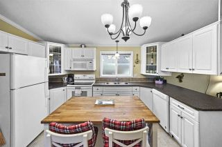 """Photo 5: 72 11847 PINYON Drive in Pitt Meadows: Central Meadows Manufactured Home for sale in """"Meadow Highlands Co-op"""" : MLS®# R2420796"""