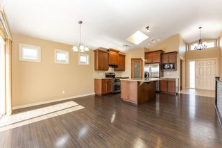 Photo 14: 918 CHAHLEY Crescent in Edmonton: Zone 20 House for sale : MLS®# E4237518