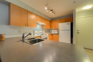 """Photo 7: 305 14859 100 Avenue in Surrey: Guildford Condo for sale in """"GUILDFORD PARK PLACE CHATSWORTH"""" (North Surrey)  : MLS®# R2046628"""