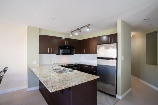 """Photo 3: 301 11667 HANEY Bypass in Maple Ridge: West Central Condo for sale in """"Haney's Landing"""" : MLS®# R2568174"""