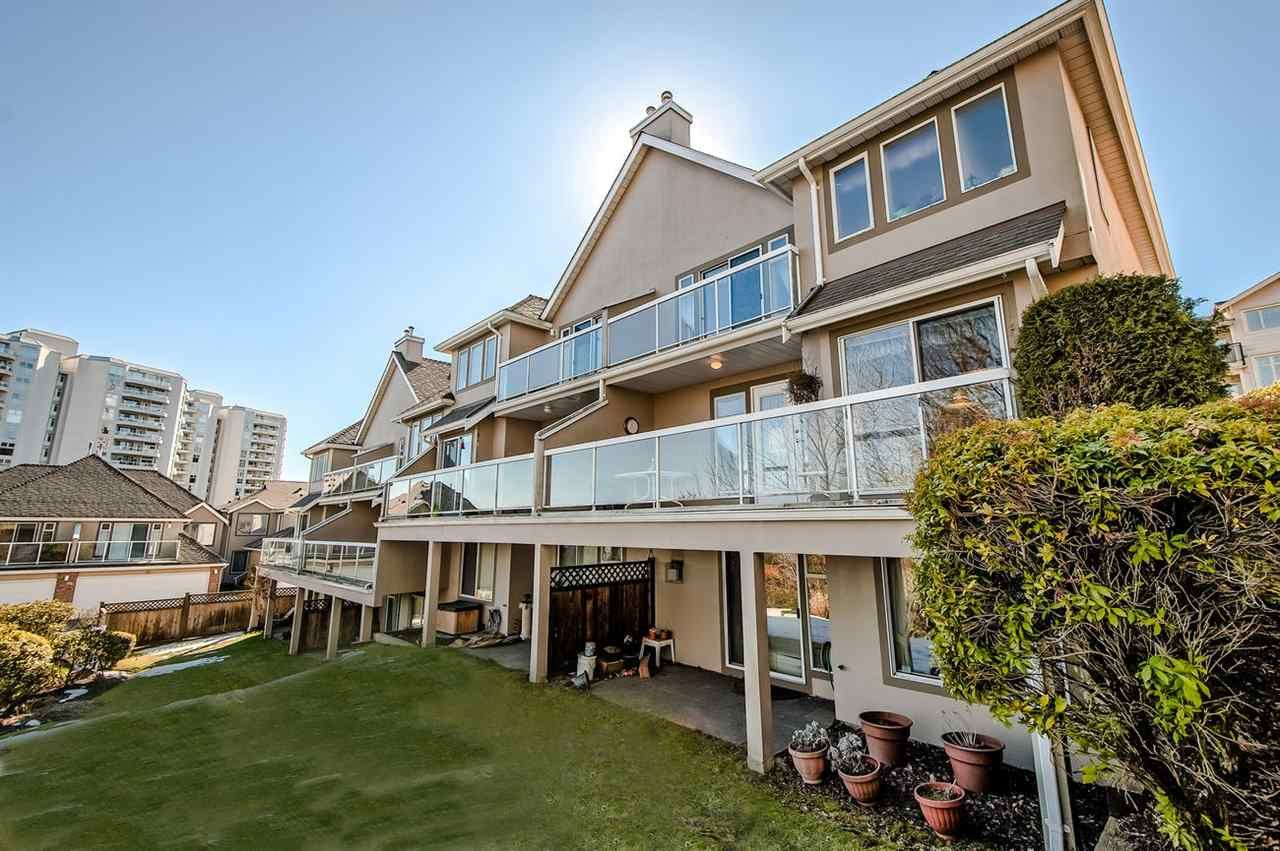 Main Photo: 27 72 JAMIESON Court in New Westminster: Fraserview NW Townhouse for sale : MLS®# R2346074