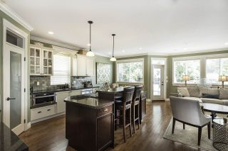 Photo 2: 15555 GOGGS Avenue: White Rock House for sale (South Surrey White Rock)  : MLS®# R2082032