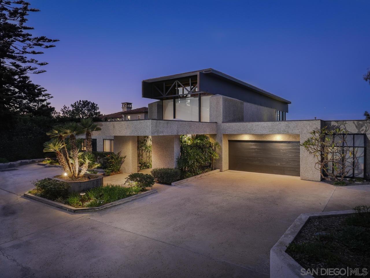 Main Photo: LA JOLLA House for rent : 4 bedrooms : 7963 Prospect Pl.