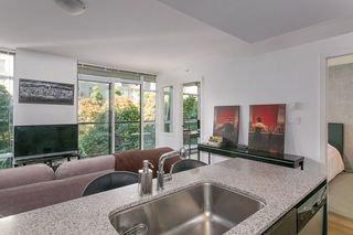"""Photo 2: 307 988 RICHARDS Street in Vancouver: Yaletown Condo for sale in """"TRIBECA"""" (Vancouver West)  : MLS®# R2202048"""