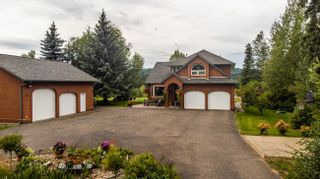 """Photo 2: 1477 NORTH NECHAKO Road in Prince George: Edgewood Terrace House for sale in """"Edgewood Terrace"""" (PG City North (Zone 73))  : MLS®# R2608294"""