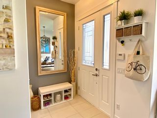 Photo 3: 437 50 Avenue SW in Calgary: Windsor Park Semi Detached for sale : MLS®# A1141403