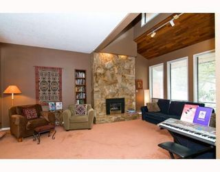 Photo 2: 2570 NORCREST CT in Burnaby: House for sale : MLS®# V767749