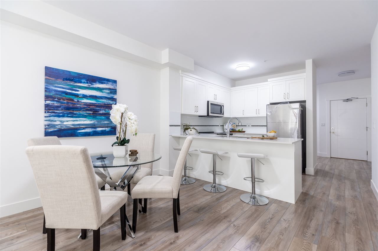 """Photo 2: Photos: 104 22577 ROYAL Crescent in Maple Ridge: East Central Condo for sale in """"THE CREST"""" : MLS®# R2480549"""