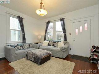 Photo 2: 2555 Prior St in VICTORIA: Vi Hillside House for sale (Victoria)  : MLS®# 755091