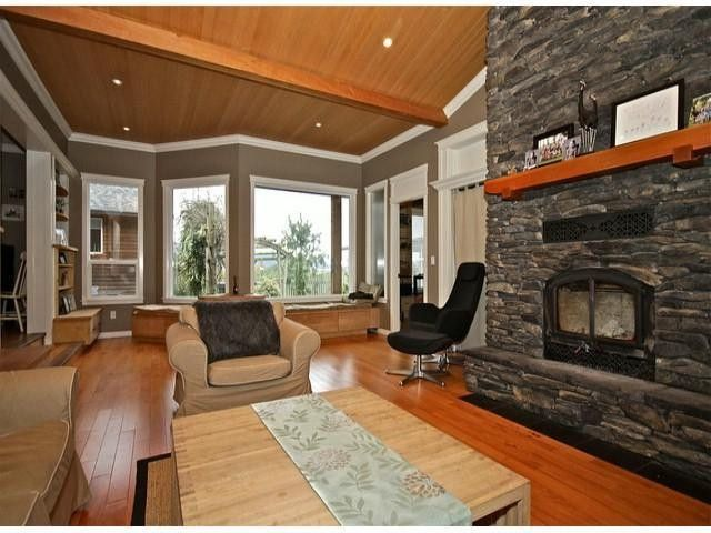 """Main Photo: 7469 WALTERS ST in Abbotsford: Matsqui House for sale in """"1.99 Acres in Matsqui"""" : MLS®# F1316215"""