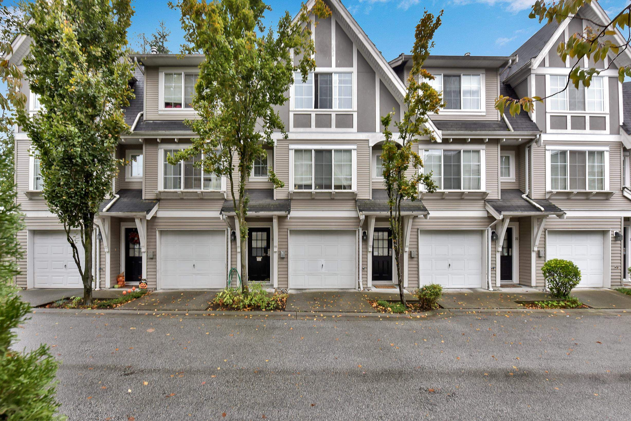 Main Photo: 33 12778 66 Avenue in Surrey: West Newton Townhouse for sale : MLS®# R2625806