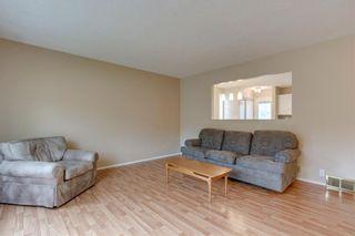 Photo 5: 6807 24 Avenue NE in Calgary: Pineridge Detached for sale : MLS®# C4258740