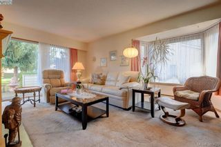 Photo 2: 28 1287 Verdier Ave in BRENTWOOD BAY: CS Brentwood Bay Row/Townhouse for sale (Central Saanich)  : MLS®# 774883