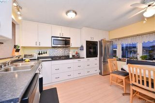 Photo 2: 2 2847 Sooke Lake Rd in VICTORIA: La Goldstream Manufactured Home for sale (Langford)  : MLS®# 801481