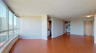 """Photo 9: 1806 6088 WILLINGDON Avenue in Burnaby: Metrotown Condo for sale in """"CRYSTAL RESUDENCE"""" (Burnaby South)  : MLS®# R2363780"""
