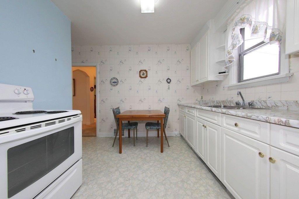 Photo 9: Photos: 899 Clifton Street in Winnipeg: West End Single Family Detached for sale (West Winnipeg)  : MLS®# 1529435