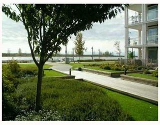"""Photo 9: 413 4600 WESTWATER Drive in Richmond: Steveston South Condo for sale in """"COPPER SKY EASY"""" : MLS®# V775539"""