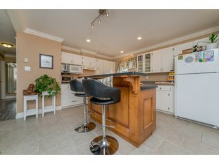Photo 8: 17924 SHANNON Place in Surrey: Cloverdale BC House for sale (Cloverdale)  : MLS®# R2176477