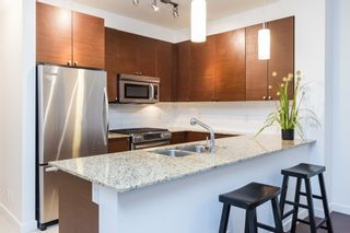 Photo 4: 109 101 MORRISSEY ROAD in Port Moody: Port Moody Centre Condo for sale : MLS®# R2138128