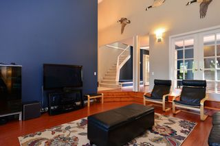 Photo 4: 1933 SOUTHMERE CRESCENT in South Surrey White Rock: Home for sale : MLS®# r2207161