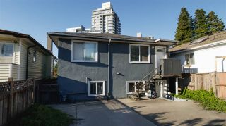 Photo 3: 2324 E 30TH Avenue in Vancouver: Collingwood VE House for sale (Vancouver East)  : MLS®# R2538177