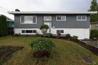 Photo 2: 2175 RIDGEWAY Street in Abbotsford: Abbotsford West House for sale : MLS®# R2146944