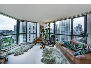 Photo 6: Vancouver West in Yaletown: Condo for sale : MLS®# R2073566