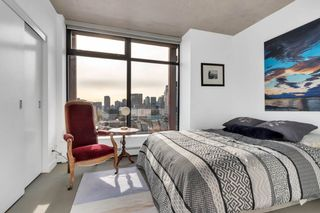 """Photo 11: 2110 128 W CORDOVA Street in Vancouver: Downtown VW Condo for sale in """"WOODWARDS W43"""" (Vancouver West)  : MLS®# R2394432"""