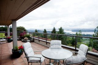 Photo 4: 35 2236 FOLKESTONE Way in West Vancouver: Panorama Village Home for sale ()  : MLS®# V952092