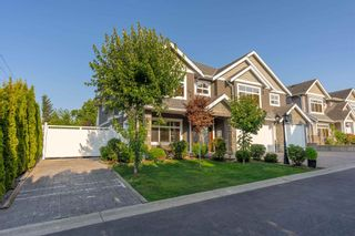 Photo 2: 1 34712 MARSHALL Road: House for sale in Abbotsford: MLS®# R2605473