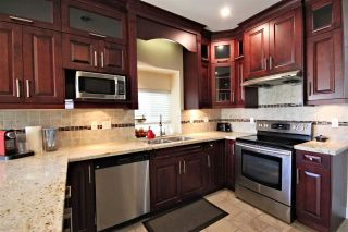 "Photo 11: 6212 NEVILLE Street in Burnaby: South Slope 1/2 Duplex for sale in ""South Slope"" (Burnaby South)  : MLS®# R2570951"