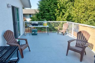 Photo 5: 1704 Carrick St in : Vi Jubilee House for sale (Victoria)  : MLS®# 883440