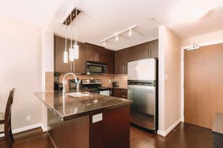 Photo 2: 3210 888 CARNARVON Street in New Westminster: Downtown NW Condo for sale : MLS®# R2614832