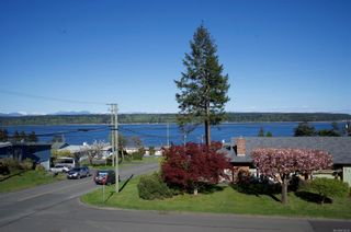 Photo 1: 8 S McLean St in : CR Campbell River South House for sale (Campbell River)  : MLS®# 873638