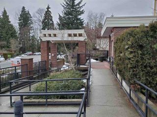 "Photo 14: 318 13883 LAUREL Drive in Surrey: Whalley Condo for sale in ""Emerald Heights"" (North Surrey)  : MLS®# R2430952"
