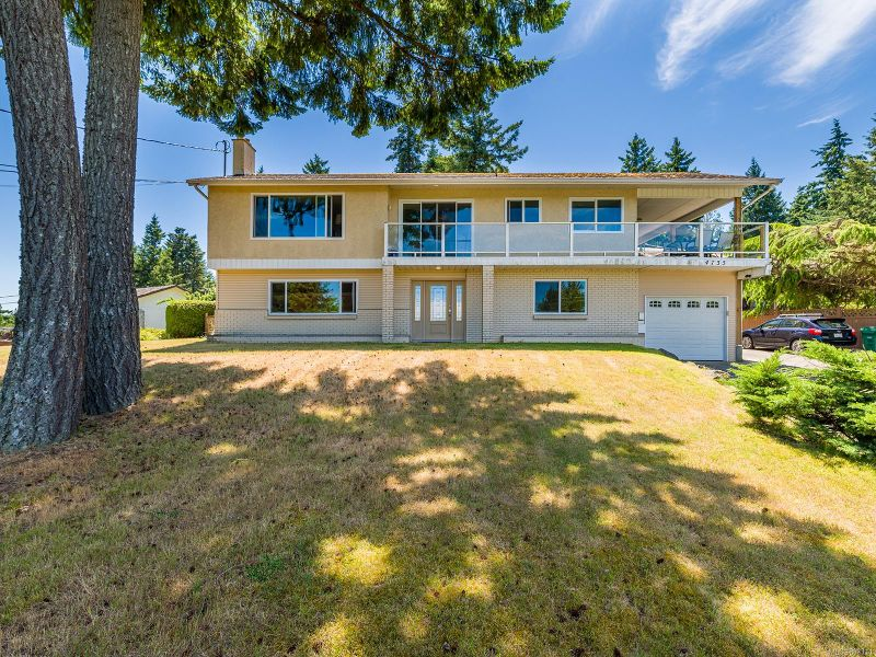 FEATURED LISTING: 4735 Lost Lake Rd
