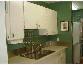 "Photo 6: 31 10200 4TH Avenue in Richmond: Steveston North Townhouse for sale in ""MANOAH VILLAGE"" : MLS®# V658428"