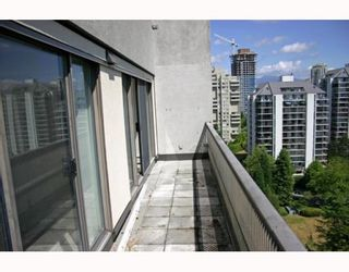 """Photo 7: 1405 4194 MAYWOOD Street in Burnaby: Metrotown Condo for sale in """"PARK AVENUE TOWERS"""" (Burnaby South)  : MLS®# V778073"""
