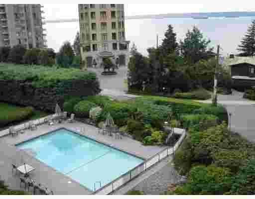 "Main Photo: 209 2290 MARINE Drive in West Vancouver: Dundarave Condo for sale in ""SEA VIEW GARDENS"" : MLS®# V802392"