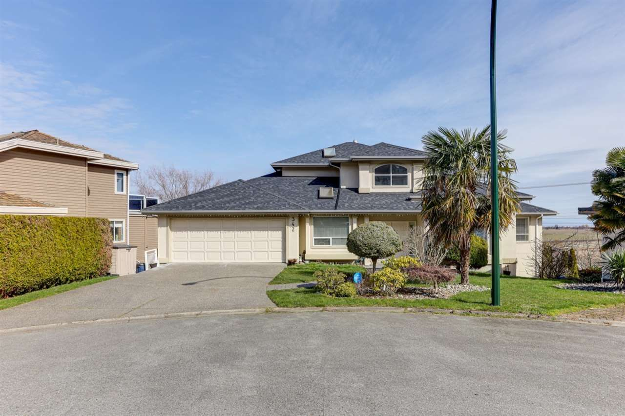 """Photo 3: Photos: 342 ROSEHILL Wynd in Delta: Pebble Hill House for sale in """"ROSEHILL"""" (Tsawwassen)  : MLS®# R2563292"""