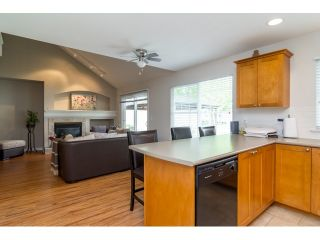 """Photo 8: 71 17097 64 Avenue in Surrey: Cloverdale BC Townhouse for sale in """"The Kentucky"""" (Cloverdale)  : MLS®# R2064911"""