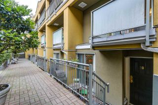 Photo 3: 30 795 W 8TH AVENUE in Vancouver: Fairview VW Townhouse for sale (Vancouver West)  : MLS®# R2281073