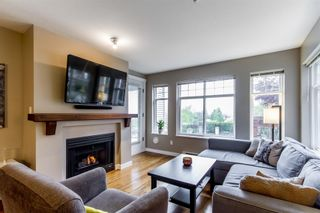 Photo 3: 213 1420 Parkway Boulevard in Coquitlam: Westwood Plateau Condo for sale : MLS®# R2262753