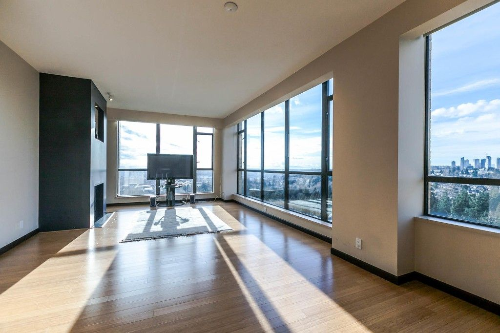 """Photo 4: Photos: 1903 7368 SANDBORNE Avenue in Burnaby: South Slope Condo for sale in """"MAYFAIR PLACE I"""" (Burnaby South)  : MLS®# R2140930"""