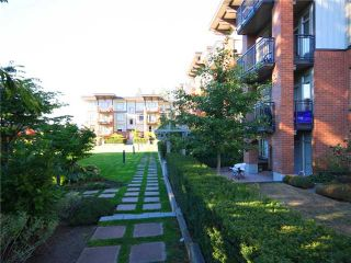 """Photo 9: 118 2250 WESBROOK Mall in Vancouver: University VW Condo for sale in """"CHAUCER HALL"""" (Vancouver West)  : MLS®# V988551"""